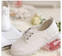 卓诗尼小白鞋,既时尚、舒适又青春活力-1