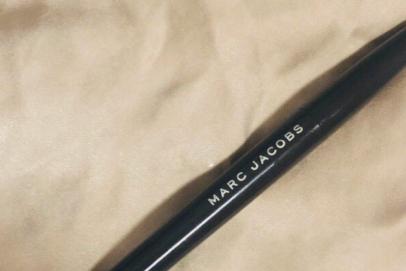 Marc Jacobs眼线笔会晕妆吗?使用感顺滑吗?-1