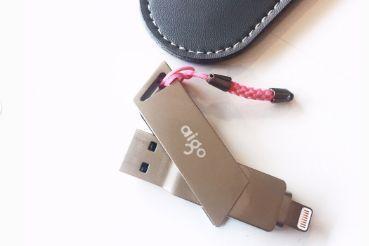 爱国者的U盘怎么样?可以一边插手机一边插电脑?-1