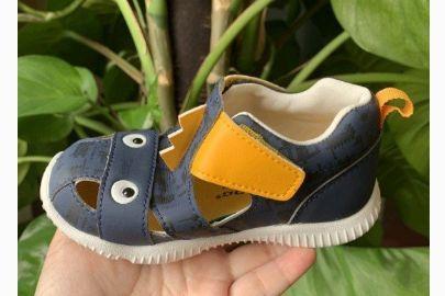 宝宝凉鞋哪个牌子好?谁能推荐一款穿起来舒适的?-1