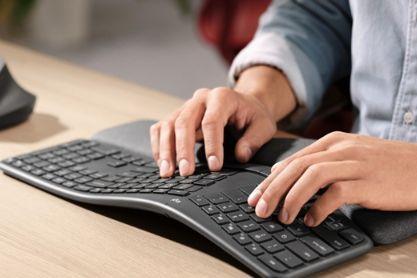 罗技推出Ergo K860人体工学键盘:独特波浪形设计-1