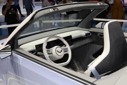 五菱宏光 MINI EV 敞篷版将在欧洲开卖,预计 2 万欧元起售-3